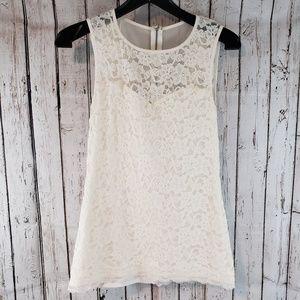 Express white Sleeveless floral top sz M 0A